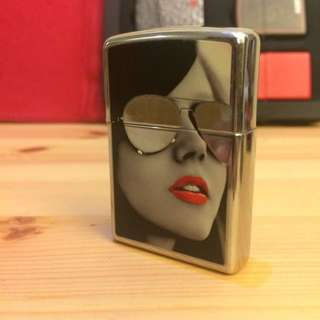 Babes And Shades (Zippo)
