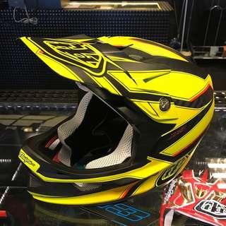 Troy Lee D3 Carbon Helmet