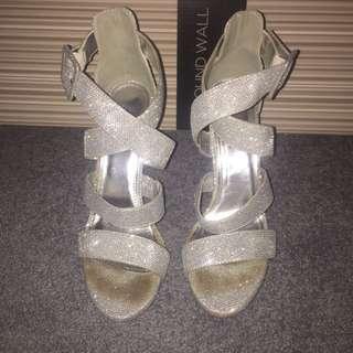 Novo Silver Shoes