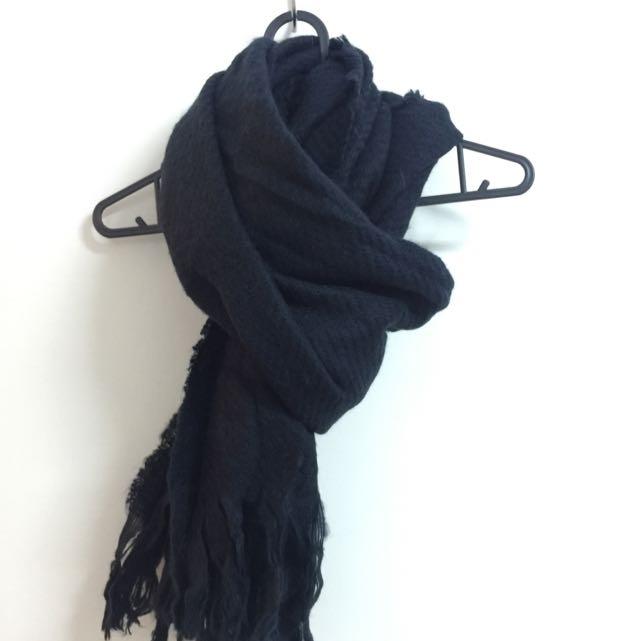 基本款黑色圍巾