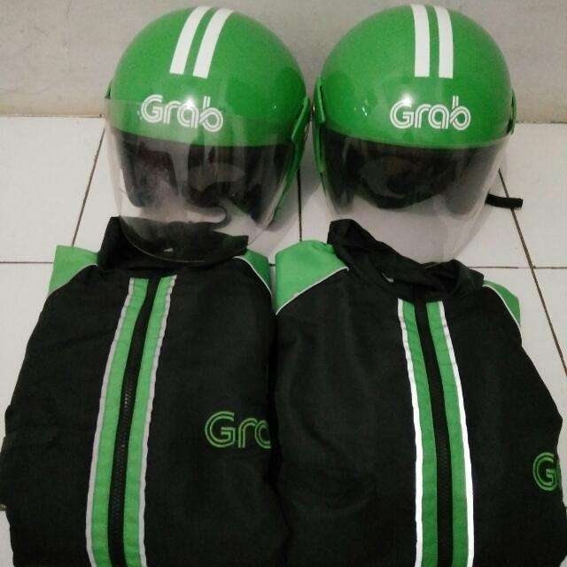 Atribut Jaket dan Helm Grab Bike