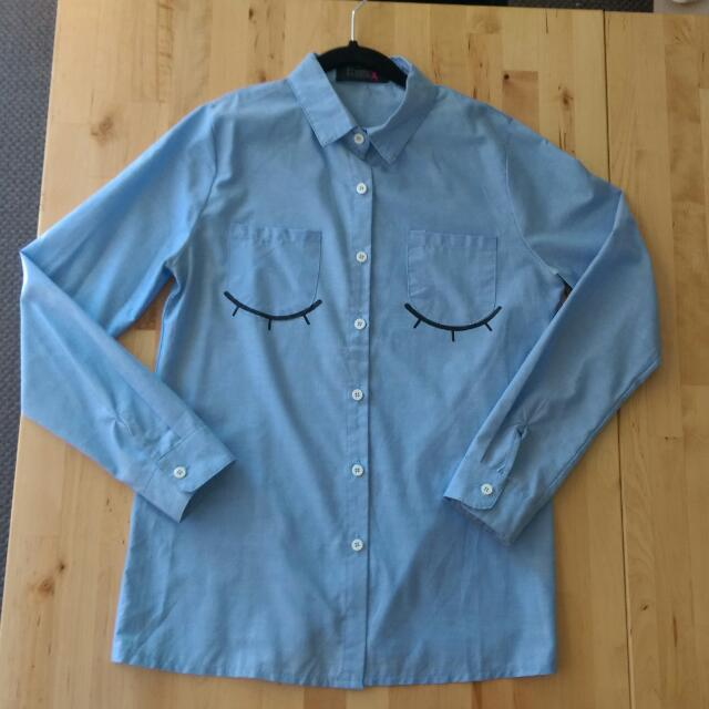 Blue Button Down Collared Shirt With Closed Eyes Graphic | Size 6 Xs