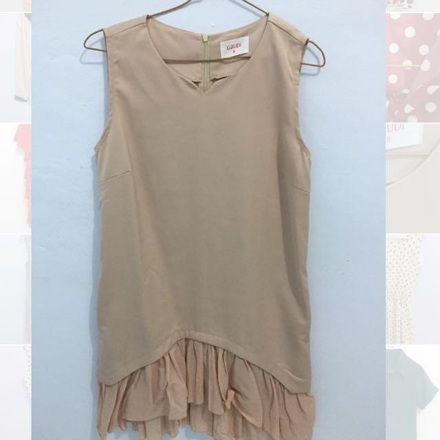 Dress Khaki Tanpa Lengan