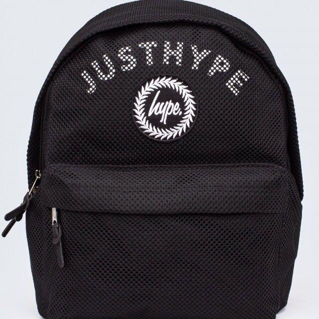 Hype網格字樣黑底後背包