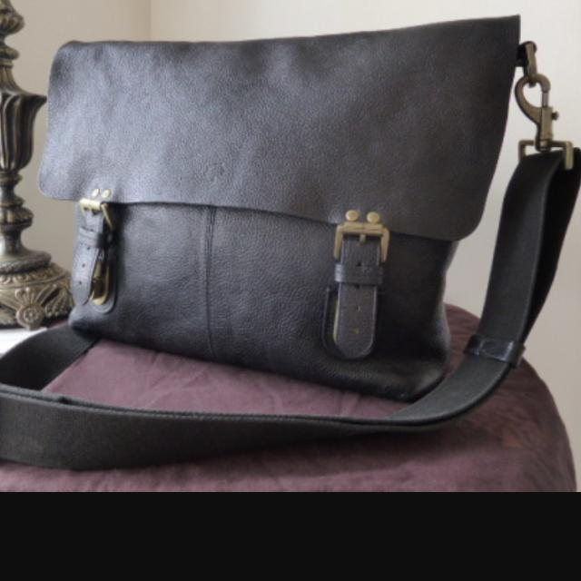 a5fadb934ce6 ... usa mulberry barnaby leather messenger bag carousell c3195 825a9