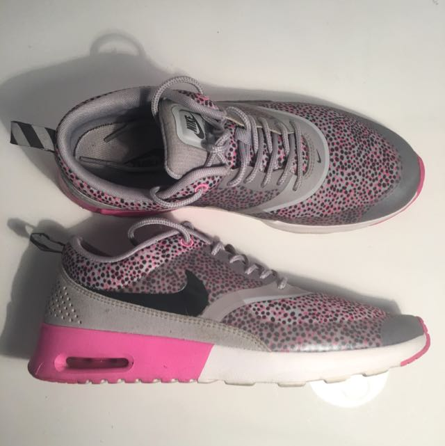 Nike Limited Edition Thea SIZE 8