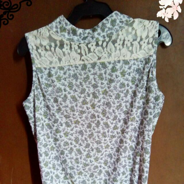 Sleeveles Top with Lace