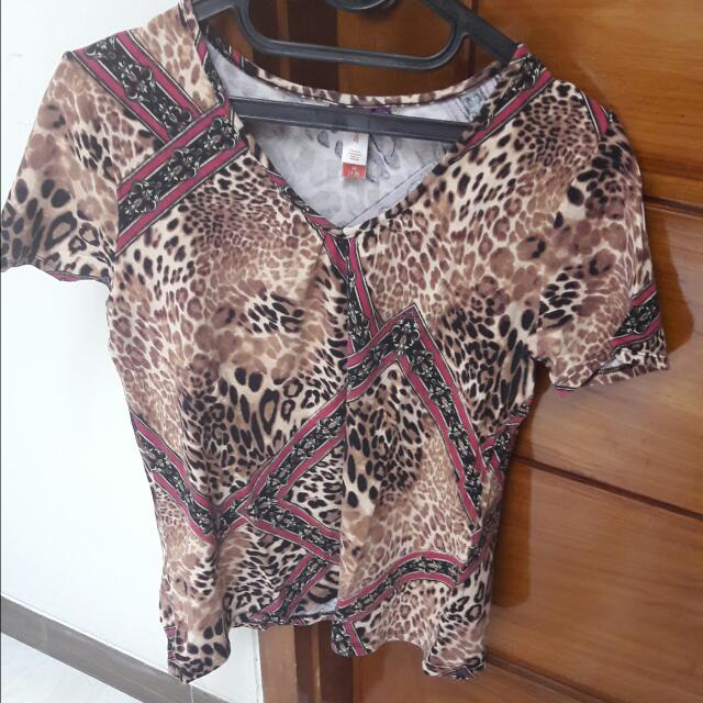 Preloved leopard top by beverly drive