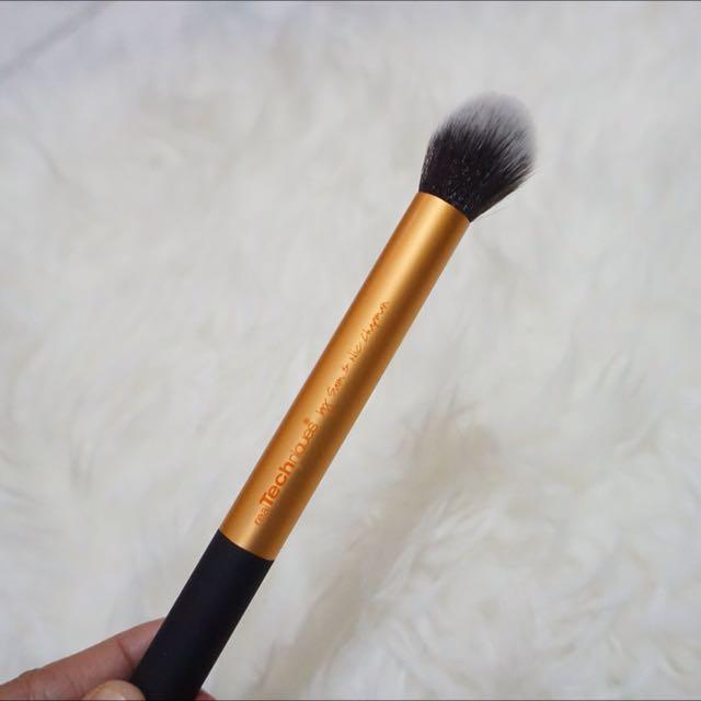 Real Technique Contouring Brush