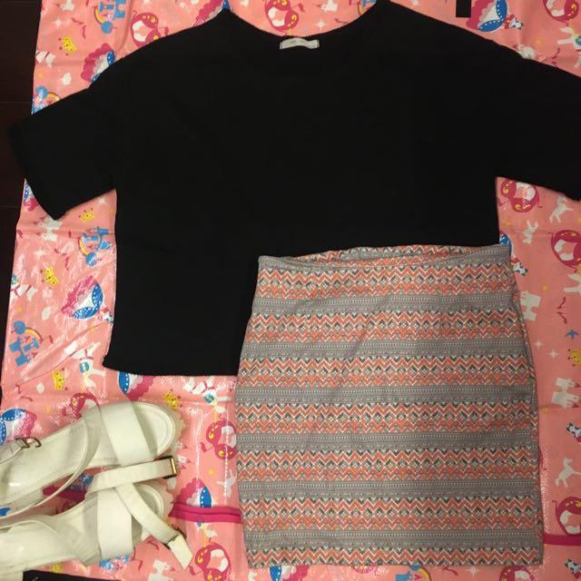 黑色素T/ 性感圖騰窄短裙