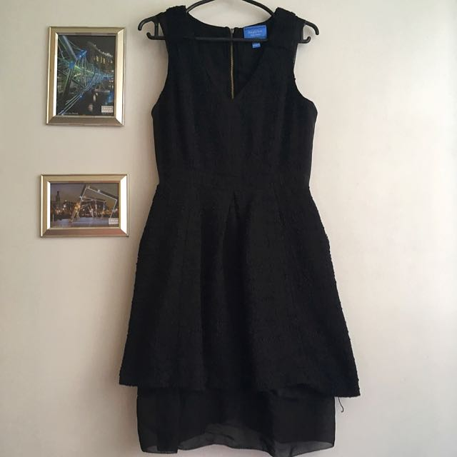 VERA WANG Black Sleeveless Dress
