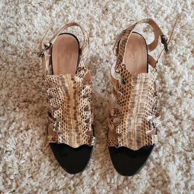 Wittner Snake Pattern Shoes Size 39/8