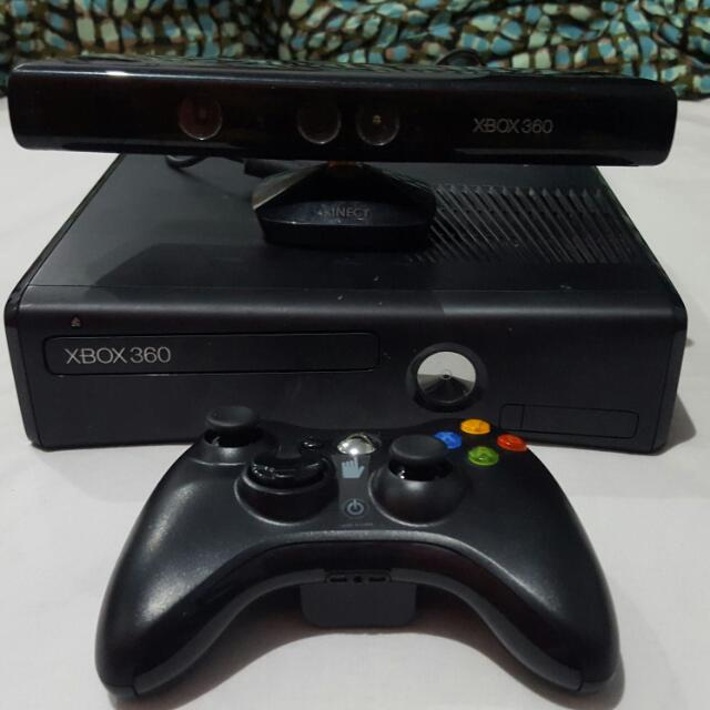 XBOX 360 w/ Kinect and Newly-bought Controller