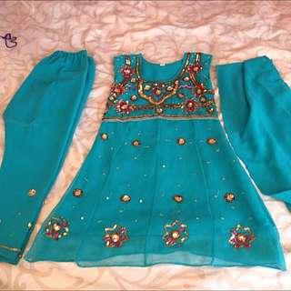 Girl Indian/Pakistani Clothing