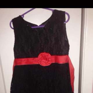 Girl Dress 👗 Size 3 To 4