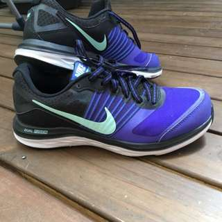 Nike dual Fusion X Runners Size 7.5