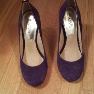Micheal Kors Purple Pumps