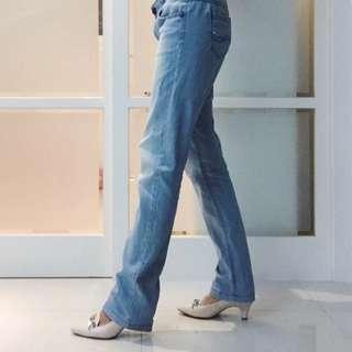 Lee 淺色牛仔褲