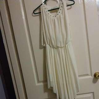 Creamy Sleeveless Chiffon Dress