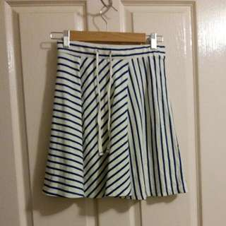 Uniqlo Blue and White Striped Skirt