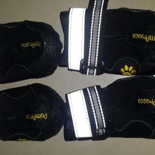 Dog Shoes x 4 Black With Light Reflectors Small