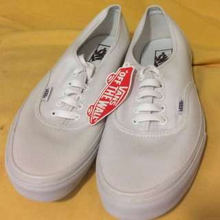 Authentic White Lace-up Low Top Vans (NEW)
