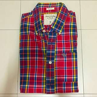 Abercrombie & Fitch Red Checkered Long Sleeves Shirt Size M