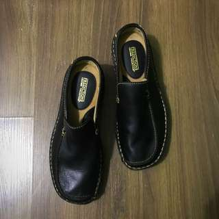 REPRICED Predictions Black Leather Oxford Slip On