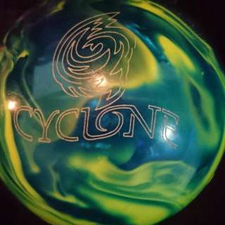 10lbs Cyclone Bowling Ball