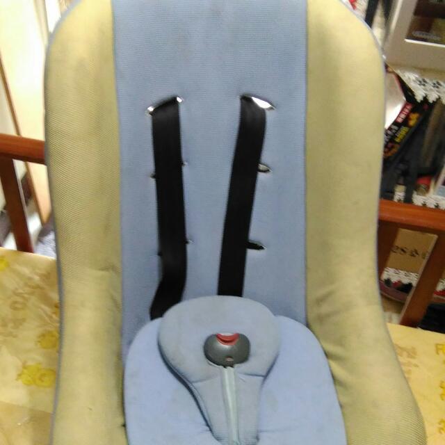 嬰兒安全座椅