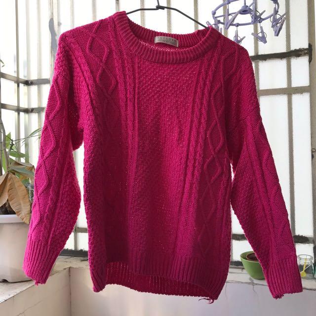 桃紅色毛衣
