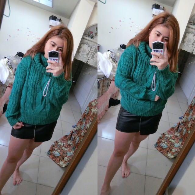 綠色針織上衣