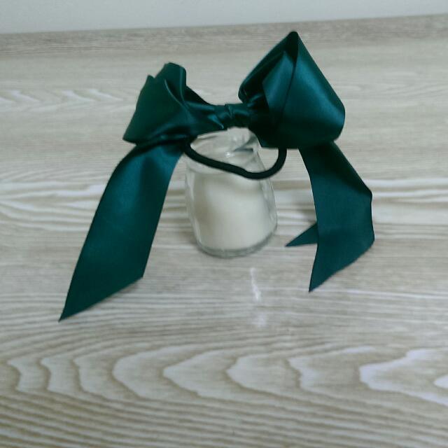 墨綠色緞帶髮圈
