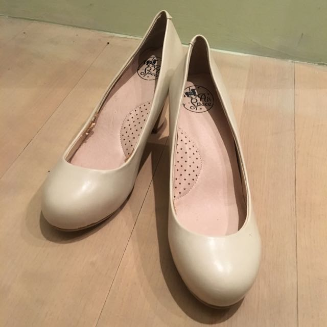 Air Space二手白色粗跟高跟鞋婚鞋40號