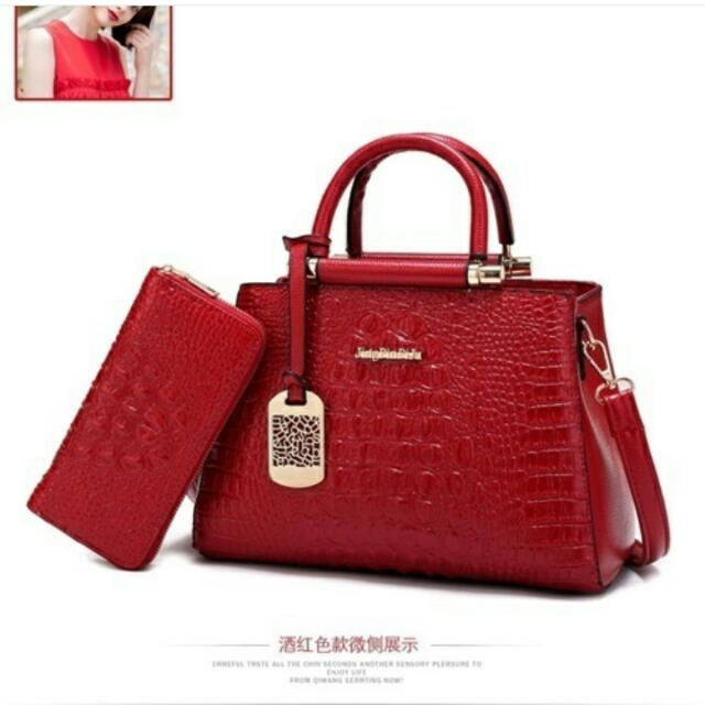B2573 : (2in1) . Material PU Size L30XH20XW15CM Weight 1100 GR Color Red.