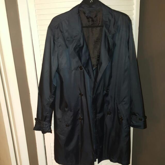 Black Lightweight Trenchcoat