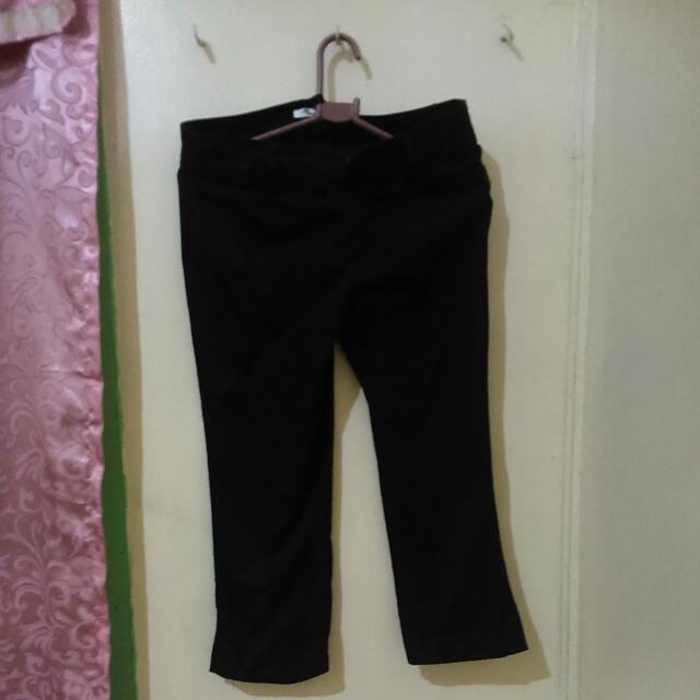 Repriced!! Comfort Basic 3/4 Pants Black