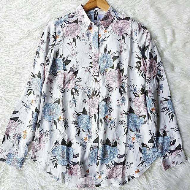 DIVIDED H&M FLORAL BLOUSE