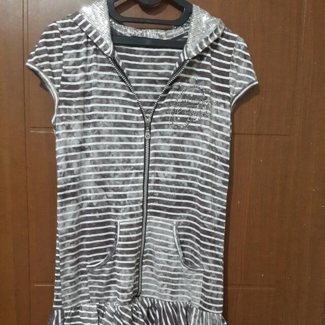 Gaun Pendek Stripe