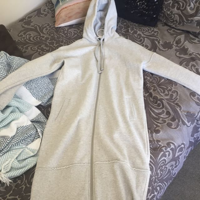 Grey Oversized/Long Hoodie - Glassons