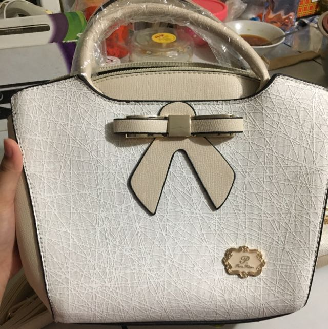 PARIS HILTON RIBBON BAG