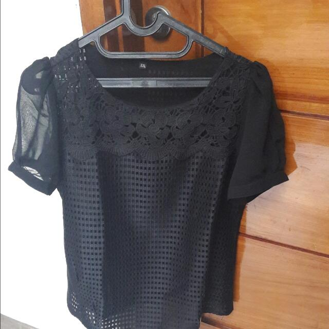 Preloved Blouse Hitam
