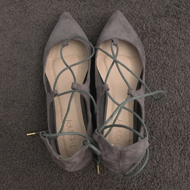 Therapy Size 8 Grey Tie Up Flats