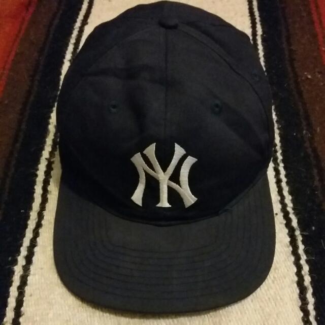 83771bbb56cf2 Vintage Cap topi Snapback New York Yankees 90 s