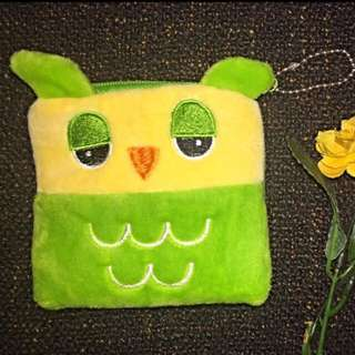 Green Owl Pouch Square