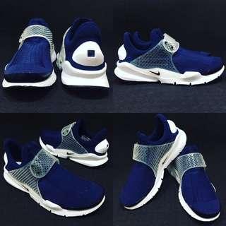 Nike sock dart 白 藍