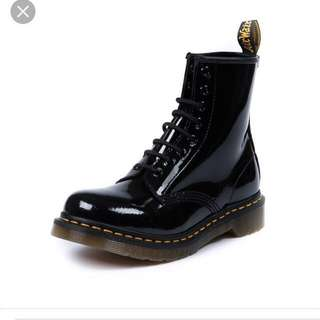 Shinny Black Docs