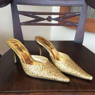 Gold Heels Fladeo // Heels Kondangan // Heels Teplek Emas