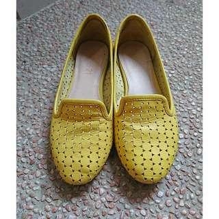 【二手】專櫃 Miss21 黃色牛皮娃娃鞋 35號🐥