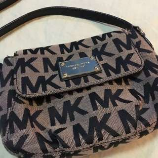 Michael Kors Sling bag